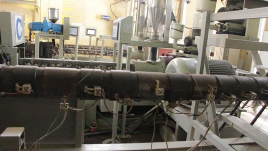 مرحله ذوب مواد اولیه لوله پلی اتیلن